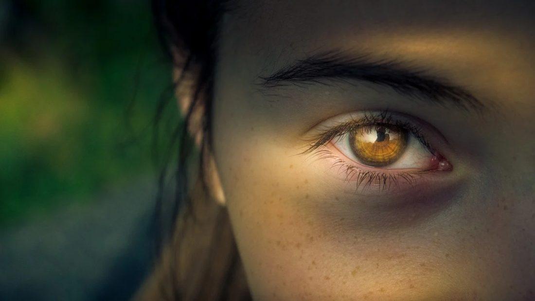 comunicazione non verbale occhi