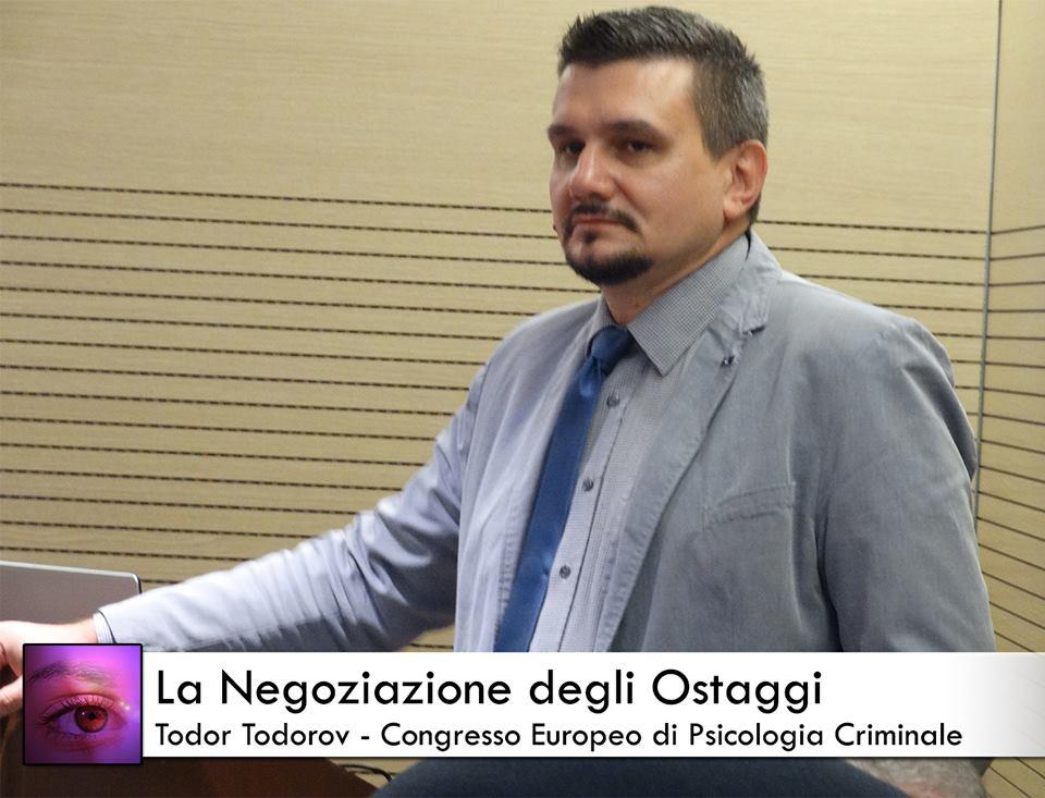 todor todorov spiega la negoziazione degli ostaggi al congresso europeo di psicologia criminale