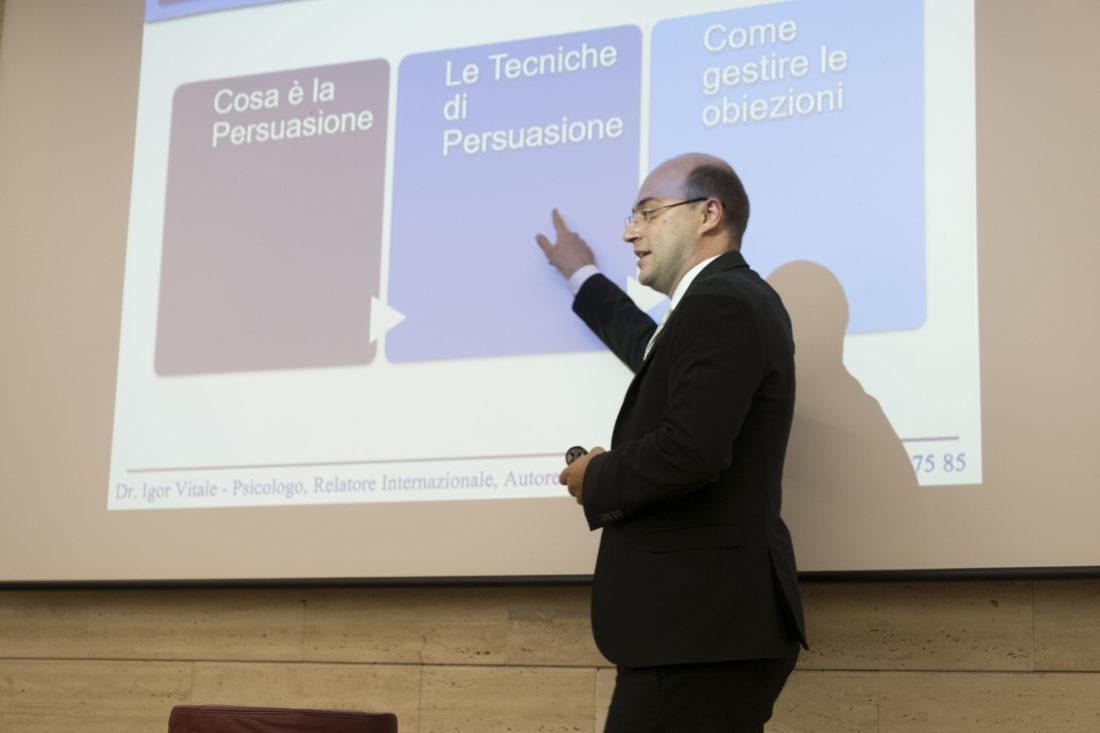 comunicazione verbale paraverbale e non verbale definizione interpretazione psicologia corso igor vitale