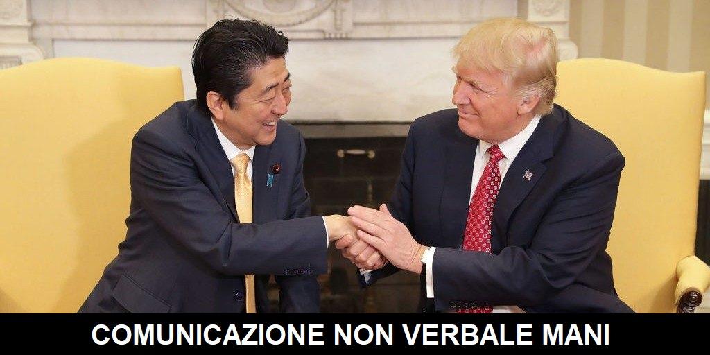 comunicazione non verbale mani